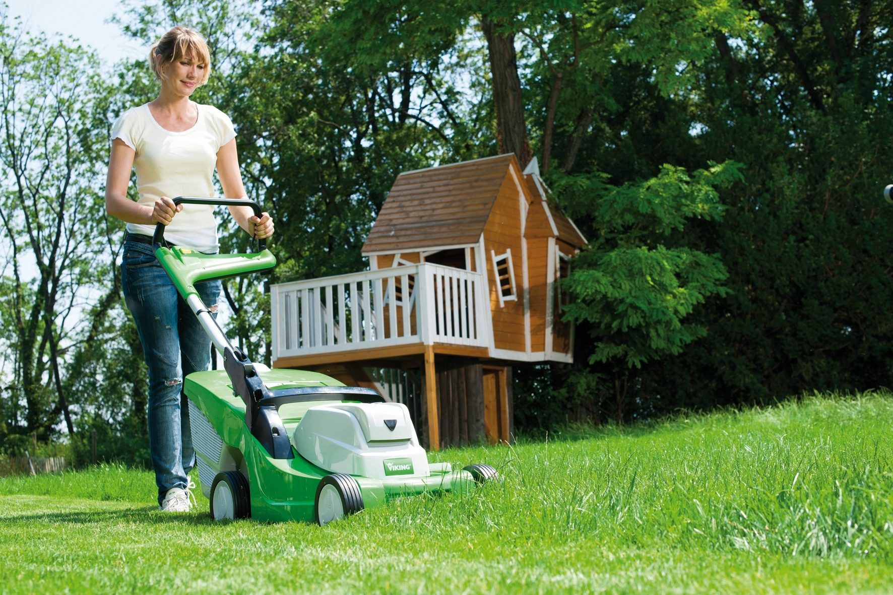 Выбор газонокосилки для дачного участка