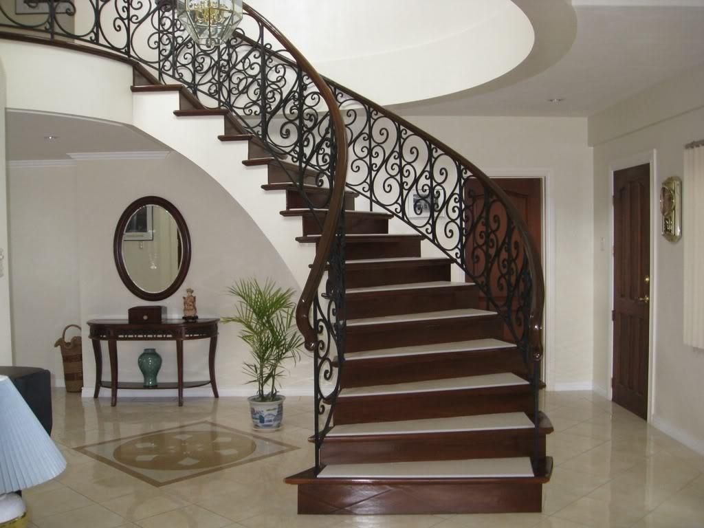 Купить лестницы из массива дуба - готовые и на заказ